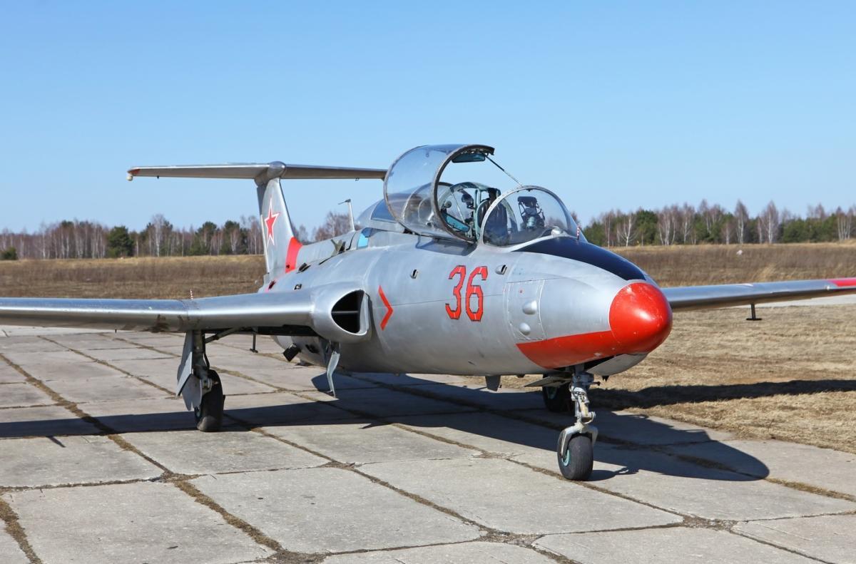 Samolet-L-29.-4
